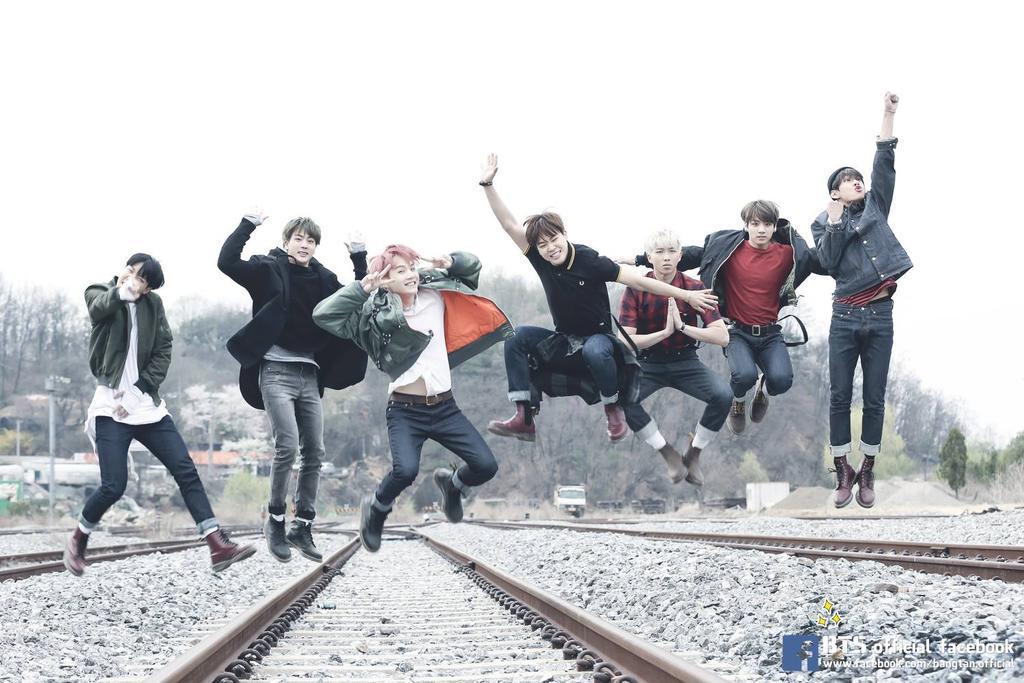 26 BTS Bangtan Boys 1st Album Dark/&Wild Danger Group Type-A Photo Card K-POP